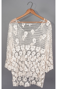 ROSE BUD BORDER HIGH LOW HEM CROCHET TOP